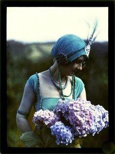 Autochrome or colored slide Belle Epoque, Color Photography, Vintage Photography, Subtractive Color, 1920s Art, Vintage Ladies, Victorian Ladies, Fine Art Photo, Art Nouveau