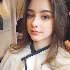 Girls Out, Cute Girls, Selfies, Secret Starbucks Drinks, Persian Beauties, Cute Alien, Indian Beauty Saree, Beauty Portrait, Aesthetic Girl