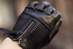 coach motorcycle gloves. #motorcycle #gloves