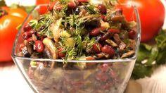 Салат с фасолью и грибами получается очень вкусным, сытным и ароматным. Приготовить его можно минут за 15-20, из самых простых ингредиентов. Кстати, учеными доказано, что фасоль активно работает на ваше здоровье.
