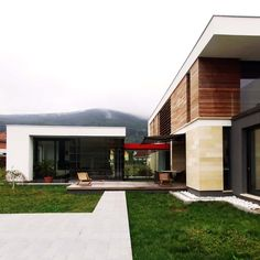 Contemporary Muraru House by DE3 Group, RomaniaCompleted in 201o by DE3 Group, Muraru Houseis built in a lovely mountain area in Northern Romania. As you can easily notice from the pictures below... Architecture Check more at http://rusticnordic.com/contemporary-muraru-house-by-de3-group-romania/