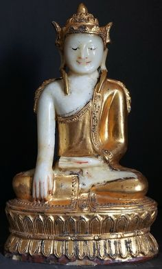 20th Century Burmese Arakan Alabaster Seated Buddha Statue