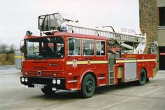 Firefighter Pictures, Old Lorries, Rescue Vehicles, Emergency Vehicles, Fire Engine, Fire Department, Fire Trucks, Engineering, Evening Sandals