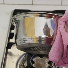 4 Surprising Uses for Hydrogen Peroxide- use with baking soda to remove stubborn cook stains