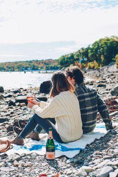 Jess Kirby and Craig Mackay beach picnic in Maine