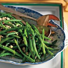 Green Beans with Shallots and Hazelnuts - I'm collecting side dishes to go with my ham dinner this weekend. This looked good. Side Dishes For Ham, Dinner Side Dishes, Best Side Dishes, Dinner Sides, Side Dish Recipes, Dinner Menu, Christmas Ham Dinner, Easter Dinner, Christmas Eve