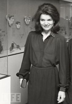 Jackie wears a shirt dress to an arts event in New York, 1978 | More here: http://mylusciouslife.com/style-icon-jackie-bouvier-kennedy-onassis/