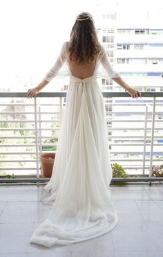 Soft, comfortable and flowy wedding gown - who woulnd't want that?