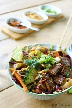 Vveganistische Pad Thai | It's a Food Life