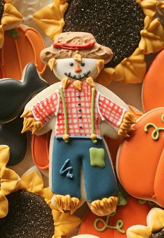 Standing Scarecrow Cookie http://www.sweetsugarbelle.com/