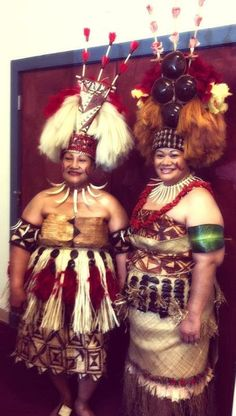 Two beautiful Taupou's.