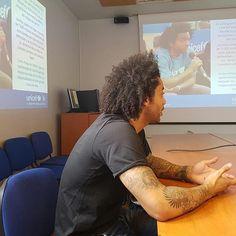 Marcelo Vieira Jr. @marcelotwelve: Mucha gente necesita nuestra ayuda. Un honor ser Amigo del Comité Madrid de @uni Instagram And Snapchat, Real Madrid, Dreadlocks, Selfie, Celebrities, Hair Styles, Image, Beauty, Sports