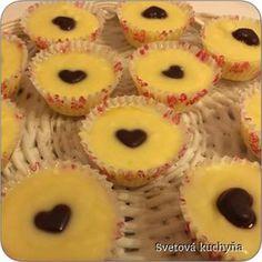 šuhajdy na bielo Christmas Sweets, Pineapple, Meals, Cookies, Fruit, Recipes, Christmas Class Treats, Crack Crackers, Pinecone