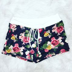 SITTIN' ON THE PORCH FLORAL LOUNGE SHORTS IN NAVY