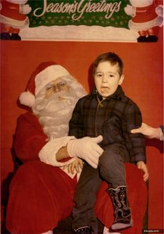 Funny Santa Pictures - When Kids are Scared of Santa! Awkward Photos, Funny Dog Photos, Funny Pictures For Kids, Funny Dog Videos, Funny Animal Pictures, Funny Kids, Humor Videos, Santa Claus Photos, Santa Pictures