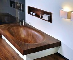 Elegant Wooden Bathtubs by Alegna