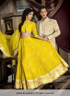 Love the simplicity of this yellow lengha