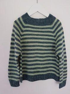 Stribet klassisk sweater 1 (2) 3 (4) år (opskrift) - Majlunds.dk
