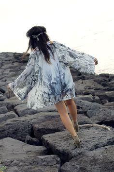 DIY Kimono Kimono Fashion, Diy Fashion, Fashion Outfits, Dress Tutorials, Fashion Project, Diy Clothing, School Fashion, Hippy, Fashion Photography