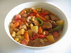 Lulu Cooks and Tells: Slow Cooker Filipino Pork Menudo