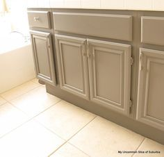 Painting bathroom cabinets - How to paint oak cabinets – Painting bathroom cabinets Painting Bathroom Cabinets, Kitchen Cabinets In Bathroom, Kitchen Redo, Kitchen Remodel, Paint Bathroom, Kitchen Ideas, Master Bathroom, Oak Bathroom, Bath Cabinets