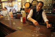 Bar El Rinconcillo, el bar más antiguo de Sevilla / Bar El Rinconcillo, the oldest bar in Seville, by @elviajero_pais