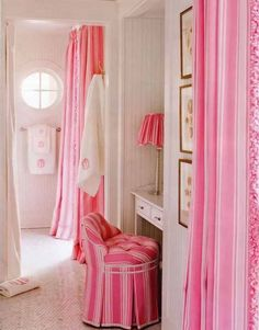 Love pink and white house decorating!