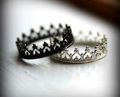 Anillos de compromiso para parejas que aún no se piensan casar