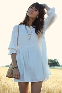 Bohemian street style, with White the White Pepper dress and Camel Vintage Bag ! Simply et Chic ... <3