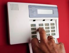 Alarm Systems - Be Safe With These Practical Home Security Tips *** Visit the image link for more details. Home Security Companies, Home Security Tips, Safety And Security, Security Cameras For Home, Security Products, Security Guard, Best Security System, Home Security Alarm System, Alarm Systems For Home