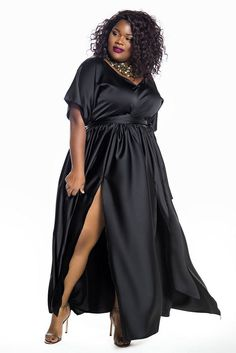 First Look: The Jibri Holiday Collection thecurvyfashionis… Looking for something fancy to wear for the holidays? Check out the latest from Atlanta based contemporary plus size designer, Jibri! Plus Size Fashion For Women, Plus Size Womens Clothing, Trendy Clothing, Clothing Stores, Maxi Dress With Sleeves, The Dress, Halter Dresses, Dressy Dresses, Linen Dresses