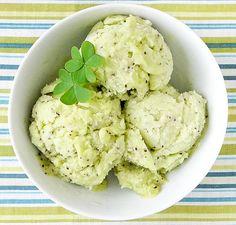 Patrick's Day kiwi sorbet (no ice cream maker! Frozen kiwi slices are great too! Non Dairy Ice Cream, Ice Cream Maker, Frozen Desserts, Delicious Desserts, Dessert Recipes, Yummy Food, Yummy Recipes, Recipes, Pallets
