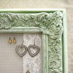 Have Earrings? No holder that matches your Shabby Chic room? Try this! Berlap works too you know.