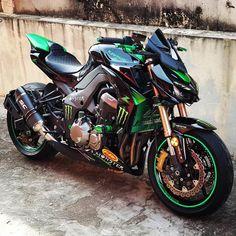 Kawasaki Shared by Motorcycle Fairings - Motocc Motos Kawasaki, Kawasaki Motorcycles, Cool Motorcycles, Kawasaki Ninja, Corvette Cabrio, Chevrolet Corvette, Moto Bike, Motorcycle Bike, Monster Motorcycle