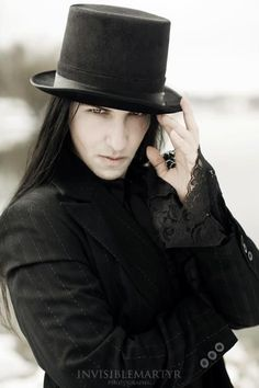 When You Want Gothic Jewelry, We Have The Tips You Need. Photo by shinycatcreations There is a lot more to owning gothic jewelry than being flashy and spending extravagant amounts of money. Gothic Men, Dark Gothic, Gothic Steampunk, Victorian Gothic, Steampunk Fashion, Gothic People, Gothic Vampire, Dark Beauty, Gothic Beauty