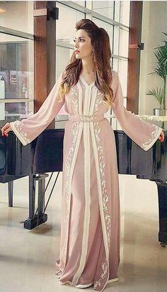pink pink Morrocan Dress, Moroccan Bride, Kaftan Moroccan, Arab Fashion, Muslim Fashion, Morocco Fashion, Caftan Dress, Oriental Fashion, Chic Dress