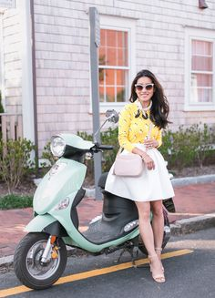 Extra Petite - Fashion, style tips, and outfit ideas Extra Petite, Super Petite, Moda Petite, Stylish Outfits, Cute Outfits, Lemon Print, Petite Fashion, Summer Looks, Tartan