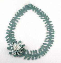 felt necklace by the wonderful Elsita (Elsa Mora)