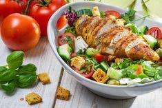 Salade au poulet, pomme céleri, et raisins