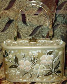 Vintage Purses, Vintage Bags, Vintage Handbags, Vintage Outfits, Vintage Items, Vintage Clothing, Vintage Accessories, Handbag Accessories, Unique Purses