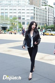hyuna leather jacket all black look at NYFW 2014 going to Rebecca Minkoff show