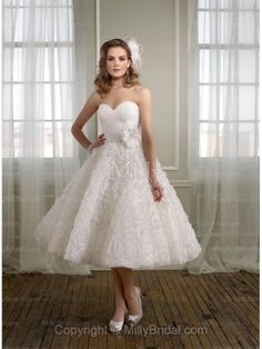 White Chiffon Empire Hand Made Flower Sweetheart Tea-length Wedding Dress