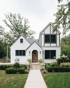 """Jean Stoffer on Instagram: """"FOR SALE! Our happy home. The link to the listing is in my bio."""" Farmhouse Floor Plans, Modern Farmhouse Exterior, Farmhouse Homes, Craftsman Farmhouse, Arched Doors, Modern Cottage, Residential Architecture, Beautiful Homes, Instagram"""