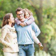 ВСЕ люди ВСЕГДА, заслышав слово «брак», реагируют двумя способами… Одни начинают сиять, их глаза излучают мечтательность, когда как другие резко отрезают: «Фу, брак!». Вообще, второй реакцией движет вирусное понятие того, что «брак» является не священным союзом двух влюбленных, а именно «браком», чем-то испорченным изначально, что не стоит выпускать «в продажу». Такие люди обычно тонко шутят: «Самая распространенная причина распада брака – это его заключение». Почему же они так думают…