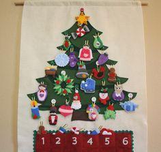 Arbre de Noël l'Avent calendrier • 29 Ornements • main • fabriqué sur commande • joyeux Noël ! par thelullabyloft sur Etsy https://www.etsy.com/fr/listing/183680304/arbre-de-noel-lavent-calendrier-29