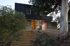 Bestor Architecture House Over a Wall