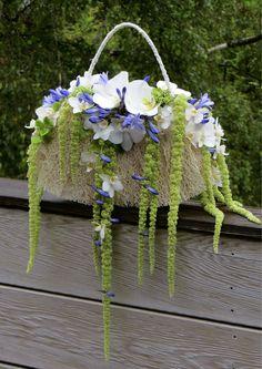 A stylish and refreshing alternative to the original bridal bouquet Created with Bolsa Flora VI www.bolsaflora.com