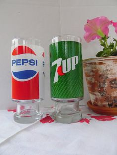 Vintage Pepsi Cola And 7 Up Drinking Glasses by BessyBellVintage