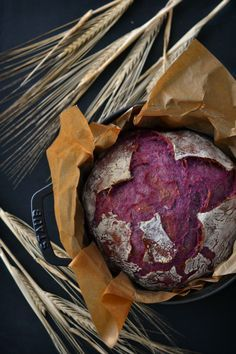Pão de batata doce roxa