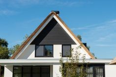 Vrijstaande woning te Schoonhoven Cabin, House Styles, Home Decor, Decoration Home, Room Decor, Cabins, Cottage, Home Interior Design, Wooden Houses